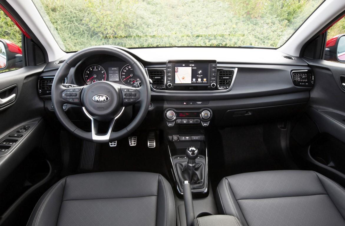 New-Kia-Rio-2107-interior-1-1